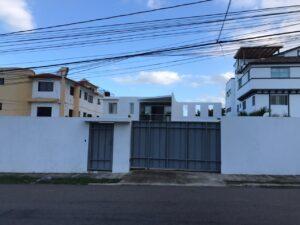 CASA GRANDE EN VENTA, ZONA RESIDENCIAL DE PRIMERA
